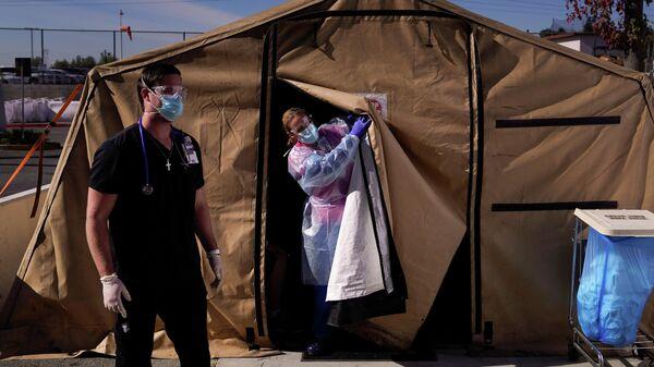 Распределение пациентов у которых проявились симптомы COVID-19 в медицинском центре в Лос-Анджелесе