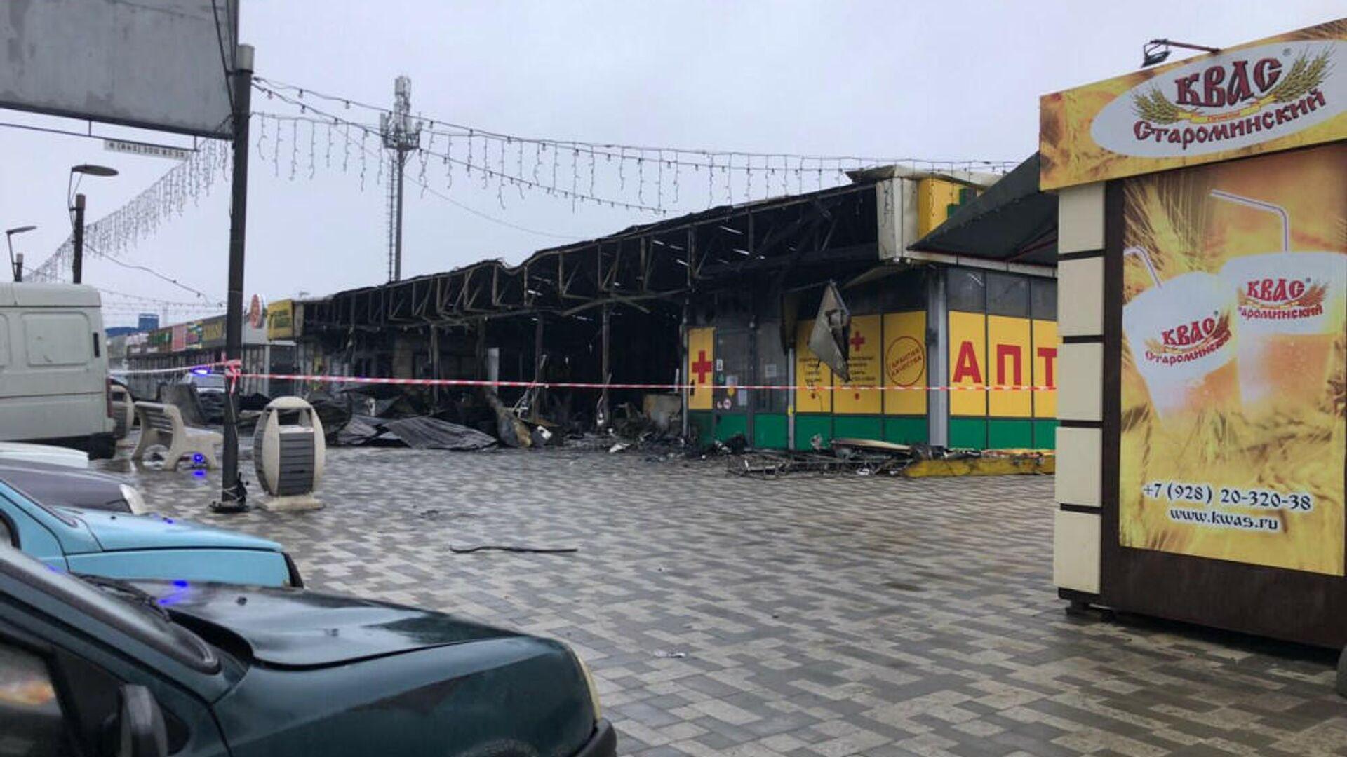В Ростове-на-Дону три человека пострадали при пожаре в торговых рядах