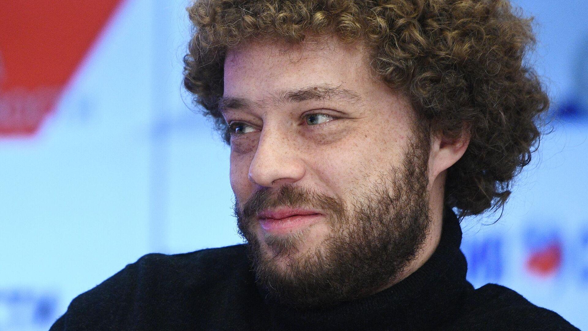 В Уфе задержали хулигана, пристававшего к блогеру Варламову