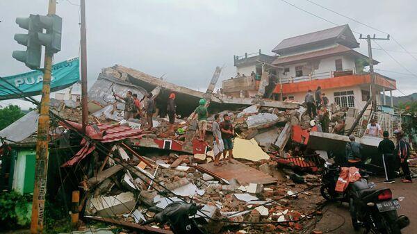 Последствия землетрясения в Индонезии. 15 января 2021