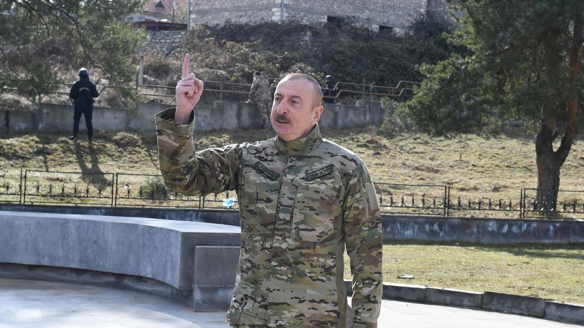 Президент Азербайджана Ильхам Алиев во время посещения города Шуша - РИА Новости, 1920, 27.04.2021