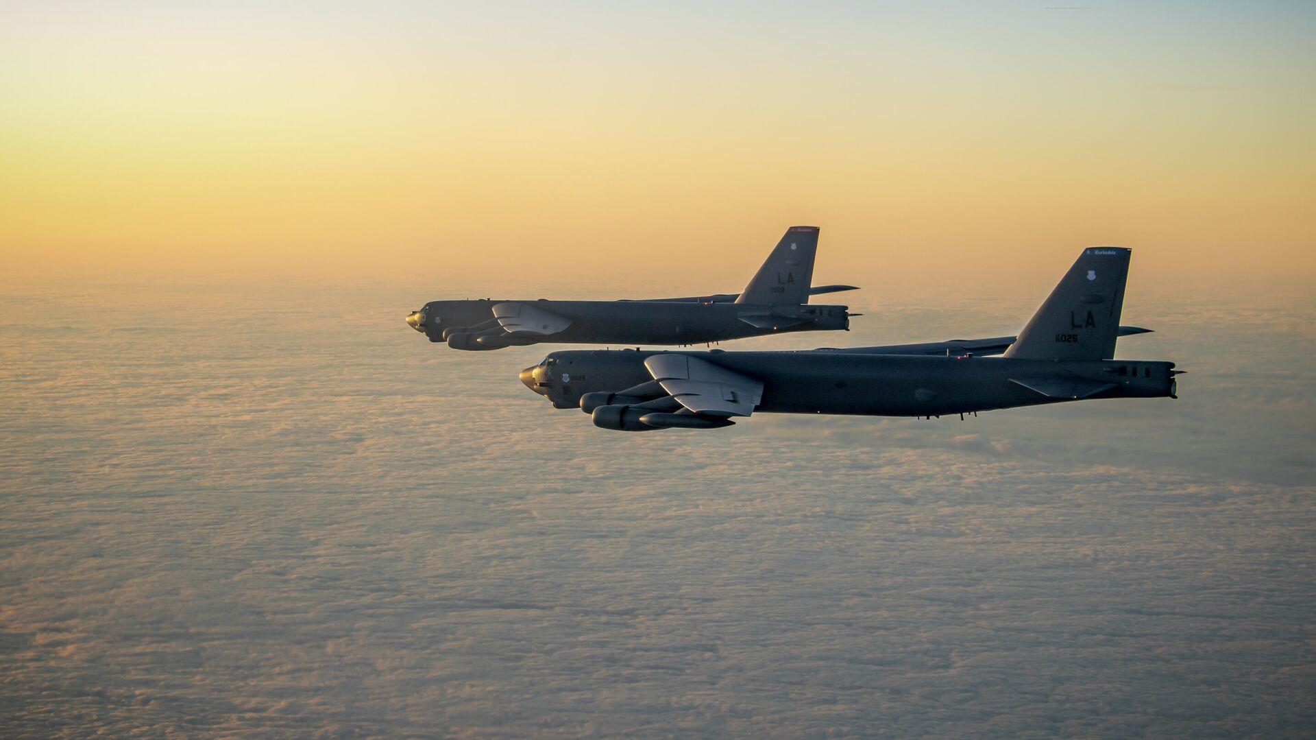 Американские стратегические бомбардировщики B-52 Стратофортресс  - РИА Новости, 1920, 03.02.2021