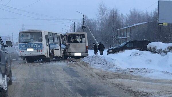 На месте ДТП с участием двух автобусов в Костроме