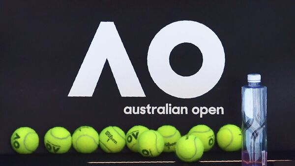 Official tennis balls for the Australian Open are seen on a chair during a practice session ahead of the Australian Open tennis tournament in Melbourne on January 14, 2018. (Photo by PAUL CROCK / AFP) / -- IMAGE RESTRICTED TO EDITORIAL USE - STRICTLY NO COMMERCIAL USE --
