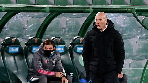 Главный тренер мадридского Реала Зинедин Зидан