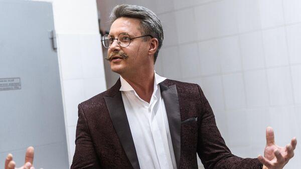 Актер Александр Макогон на съемке сериала Жестокий мир мужчин в Москве