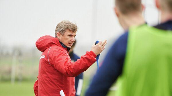 Тренер молодежной сборной России Олег Левин