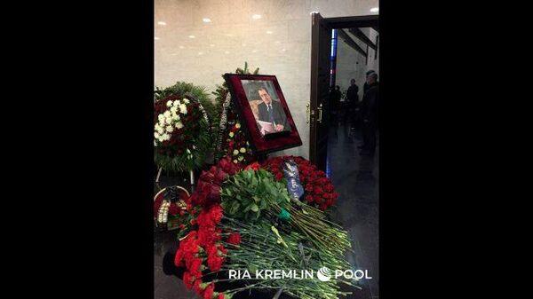 Прощание с бывшим вице-премьером Сергеем Приходько