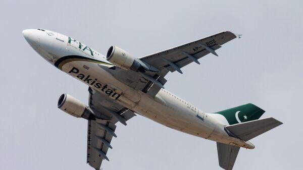 Самолет Пакистанских международных авиалиний