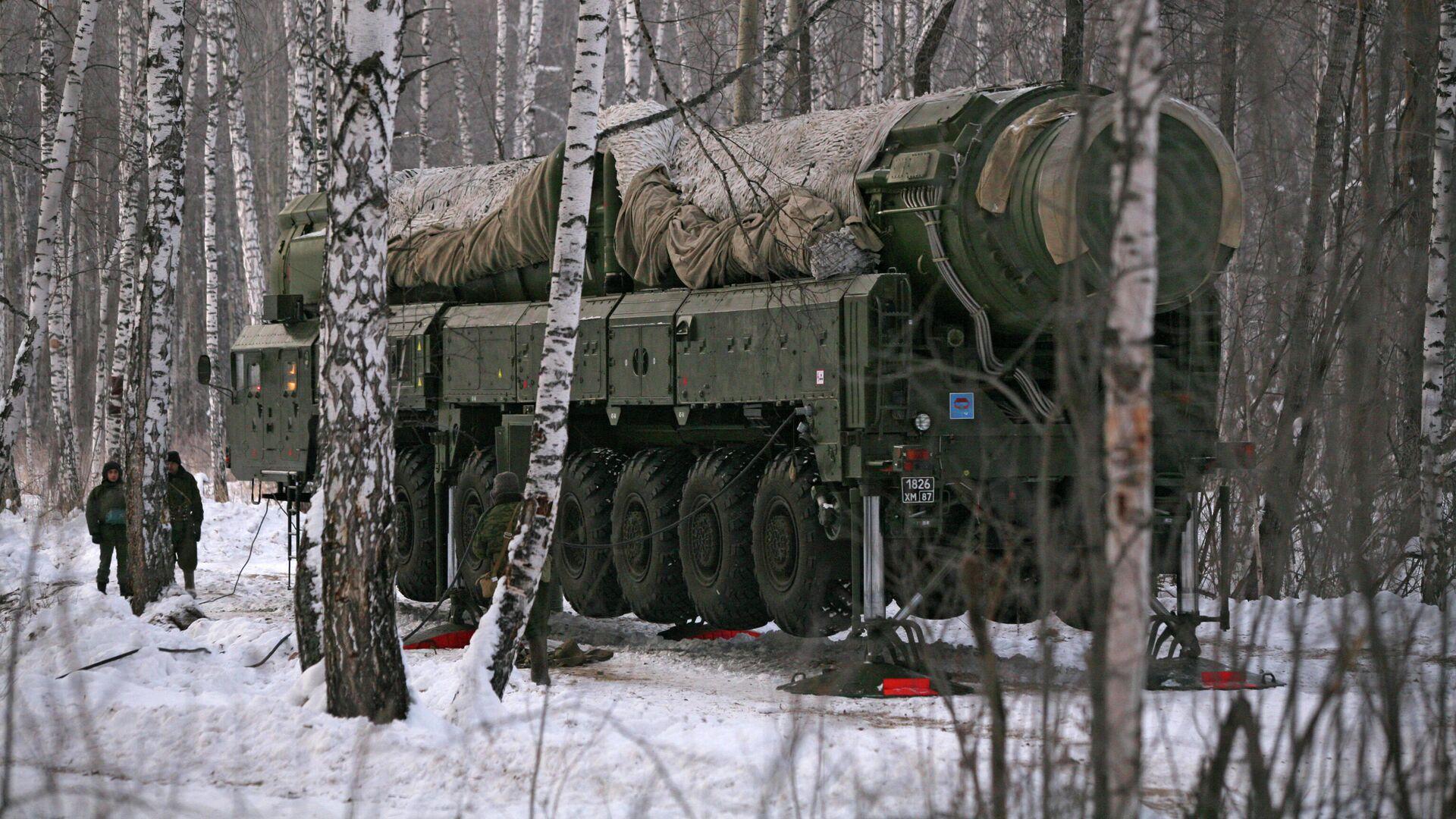 Ракетный комплекс Тополь на полигоне в Новосибирской области - РИА Новости, 1920, 01.05.2021