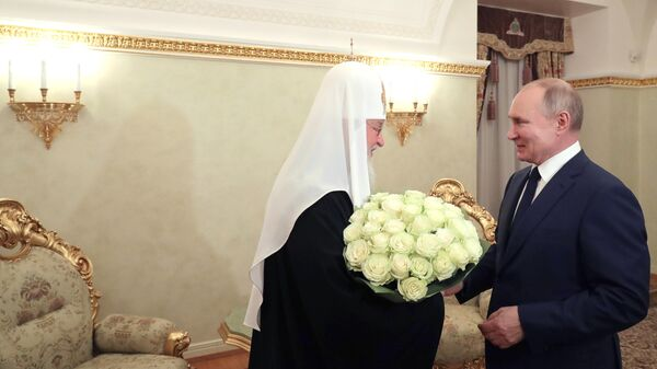 Президент РФ Владимир Путин поздравляет патриарха Московского и всея Руси Кирилла с годовщиной интронизации
