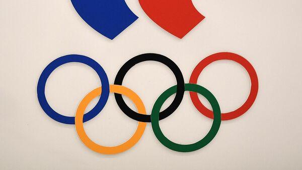 Символика в Олимпийском комитете России на Лужнецкой набережной