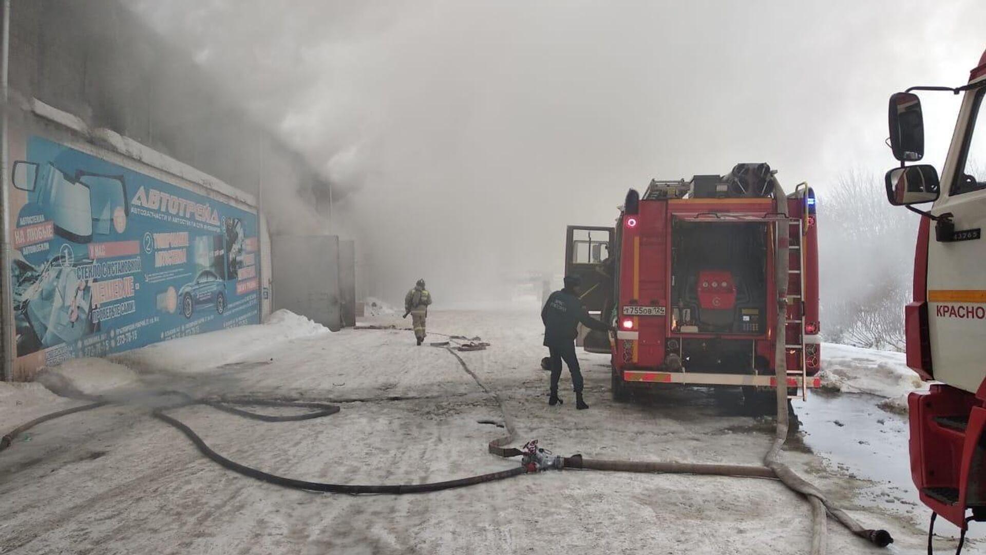 В Красноярском крае объявили траур по погибшим при пожаре на складе