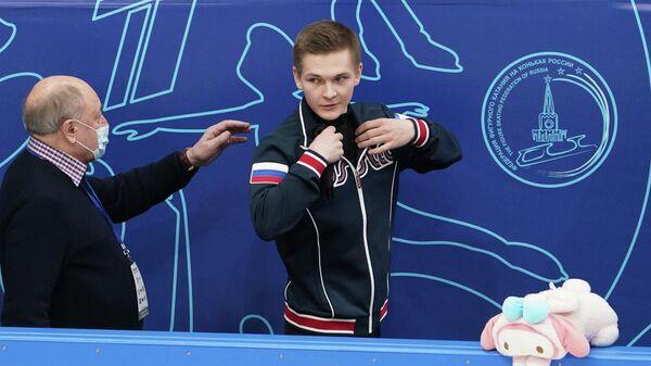 Михаил Коляда и тренер Алексей Мишин