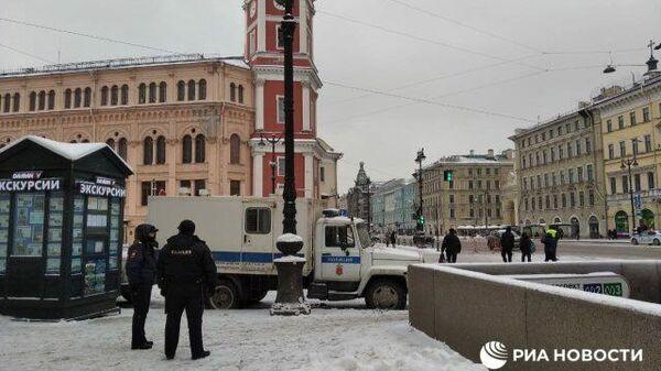 Обстановка спокойная: станцию метро Невский Проспект открыли для пассажиров