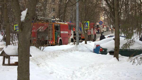 Пожар в девятиэтажном жилом доме в поселке Мосрентген