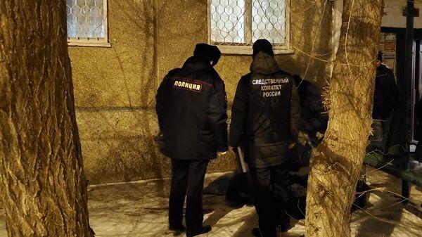 Вблизи многоквартирного жилого дома по улице Короленко в городе Орск обнаружено тело малолетнего ребенка