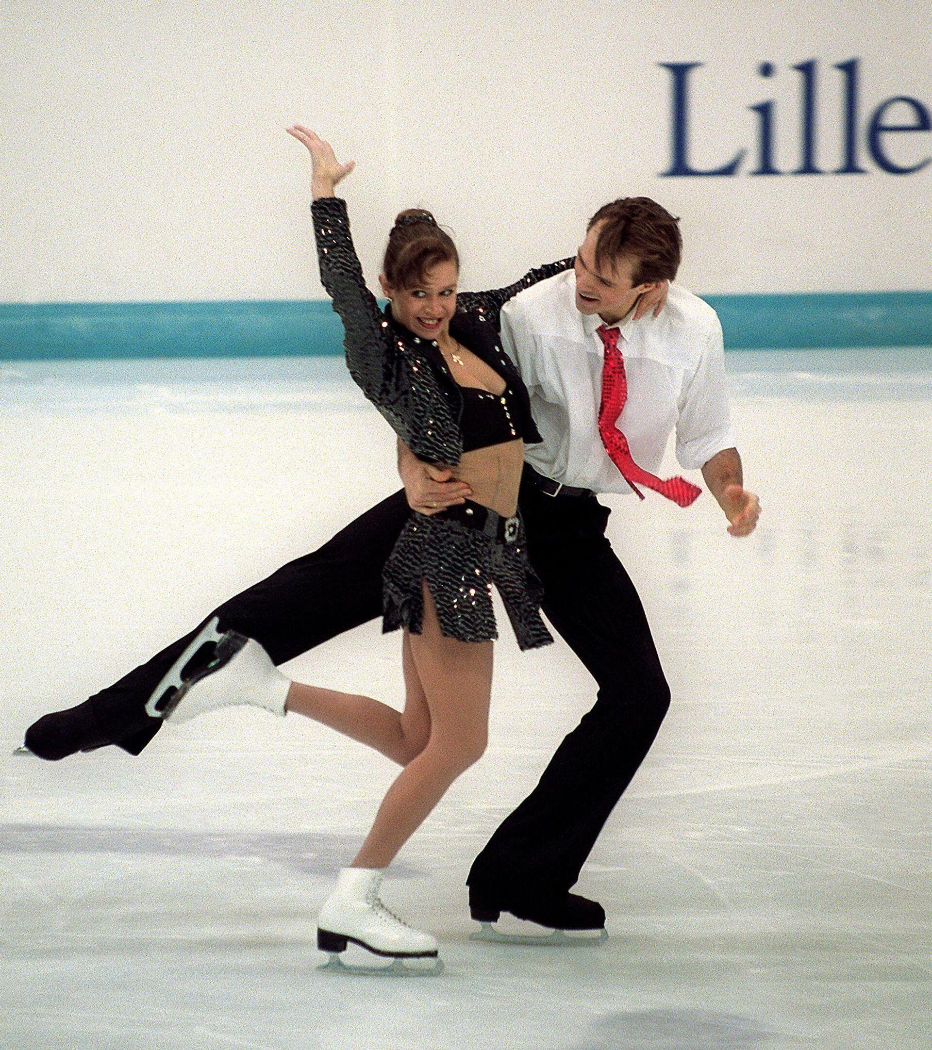 Оксана Грищук и Евгений Платов во время выступления на зимних Олимпийских играх 1994 года - РИА Новости, 1920, 08.02.2021