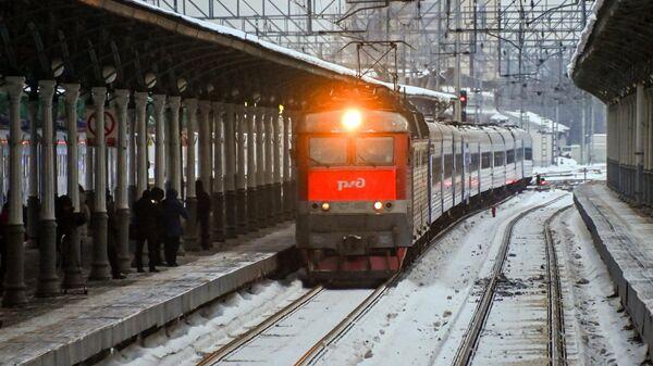 Пассажирский поезд Минск-Москва прибывает на Белорусский вокзал в Москве