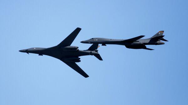 Американские стратегические бомбардировщики B-1B Lancer
