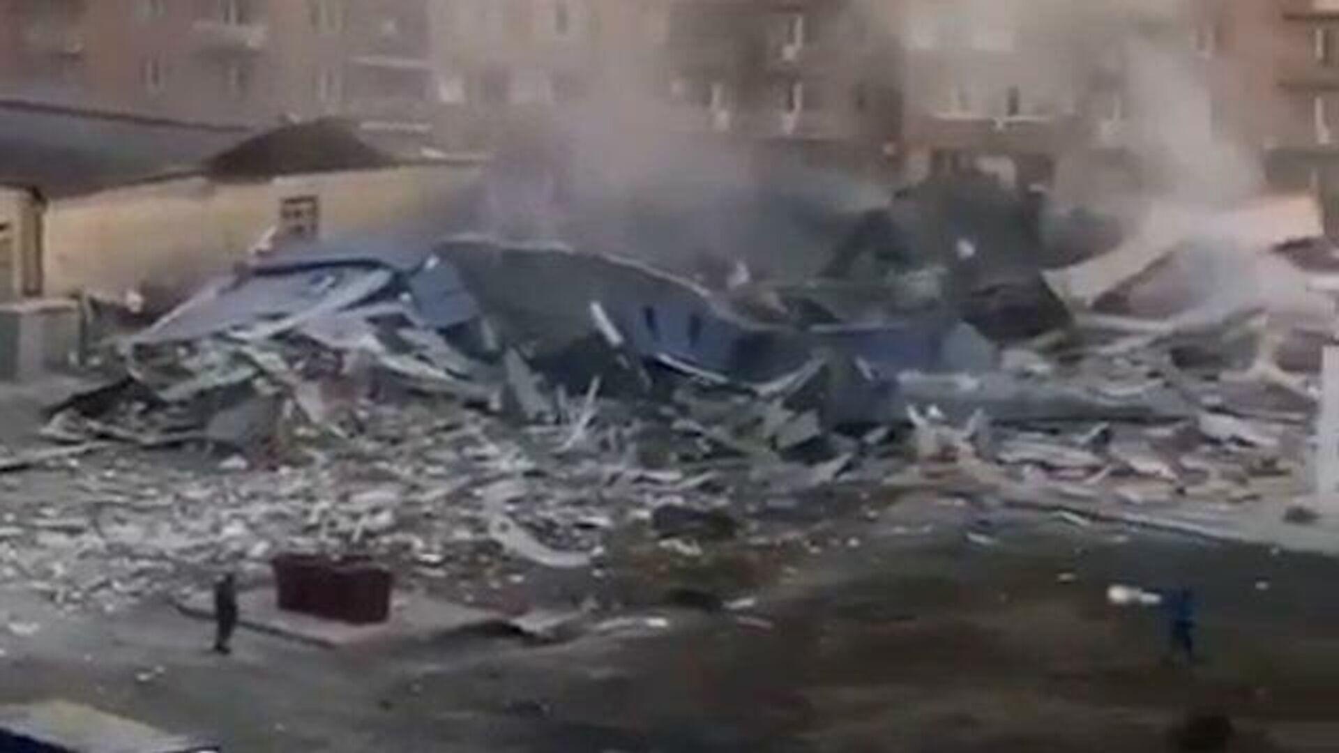 Кадры с места мощного взрыва во Владикавказе - РИА Новости, 1920, 12.02.2021