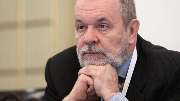Председатель фонда социального страхования РФ Андрей Кигим