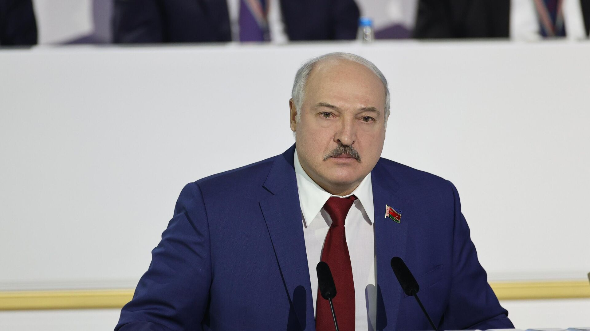 Президент Белоруссии Александр Лукашенко выступает на VI Всебелорусском народном собрании - РИА Новости, 1920, 12.02.2021