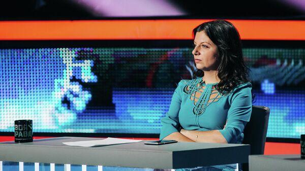 Симоньян пообщалась с вывезенной из кризисного центра чеченкой Тарамовой