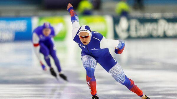 Конькобежец Павел Кулижников (Россия)