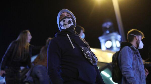 Участники акции протеста в поддержку рэпера Пабло Аселя