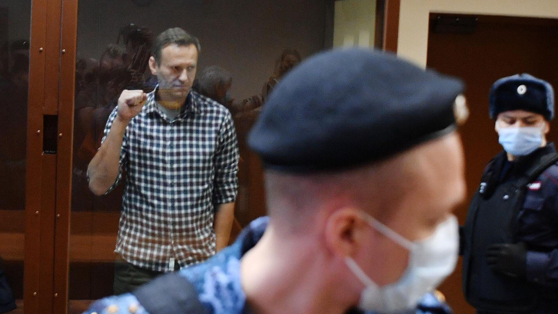 Алексей Навальный в зале Бабушкинского районного суда - РИА Новости, 1920, 07.04.2021