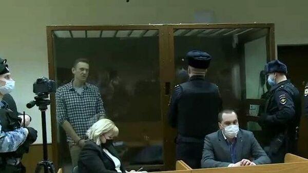 Я засолил огурцы – Навальный поделился рецептами блюд, приготовленных в СИЗО