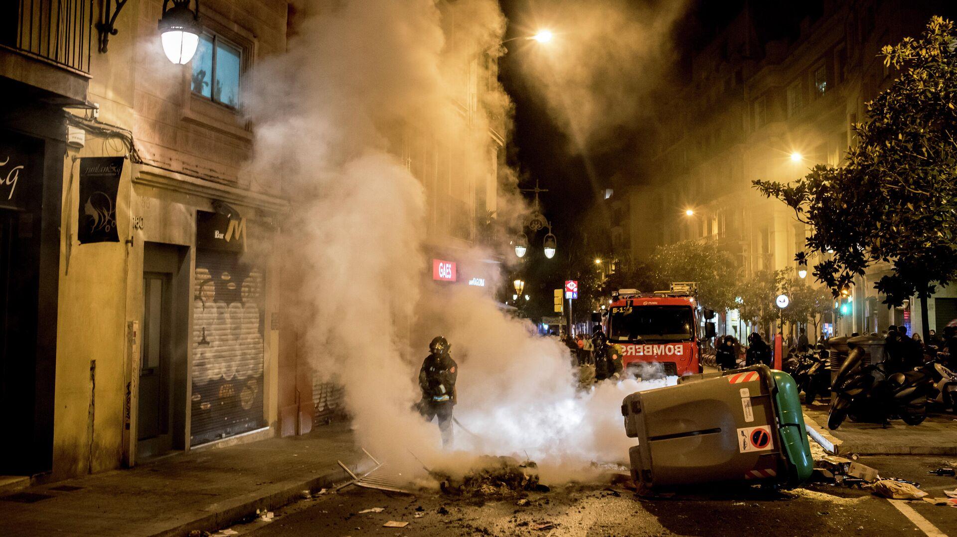 В Барселоне за сутки в ходе беспорядков задержали не менее семи человек