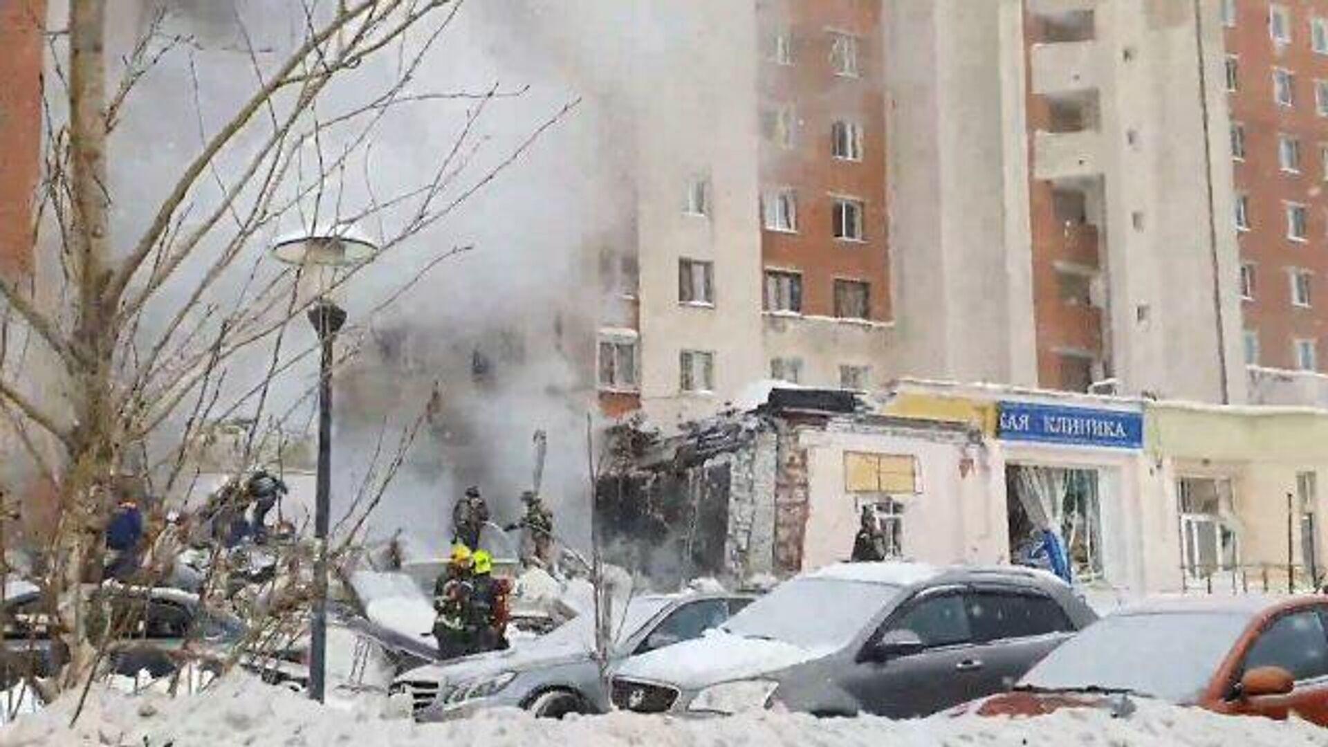 Работа спасательных бригад на месте взрыва в Нижнем Новгороде - РИА Новости, 1920, 26.02.2021