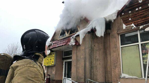 Возгорание торгового павильона на Семеновском рынке в Мурманске