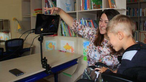 """""""Говорящие взглядом"""": как обучают детей с ДЦП"""