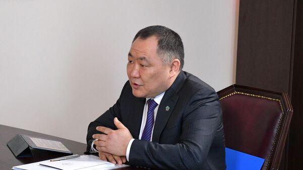 Глава республики Тыва Шолбан Кара-оол во время встречи с председателем правительства РФ Михаилом Мишустиным в Кызыле