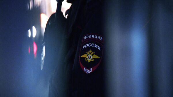 Эмблема на форме сотрудника полиции