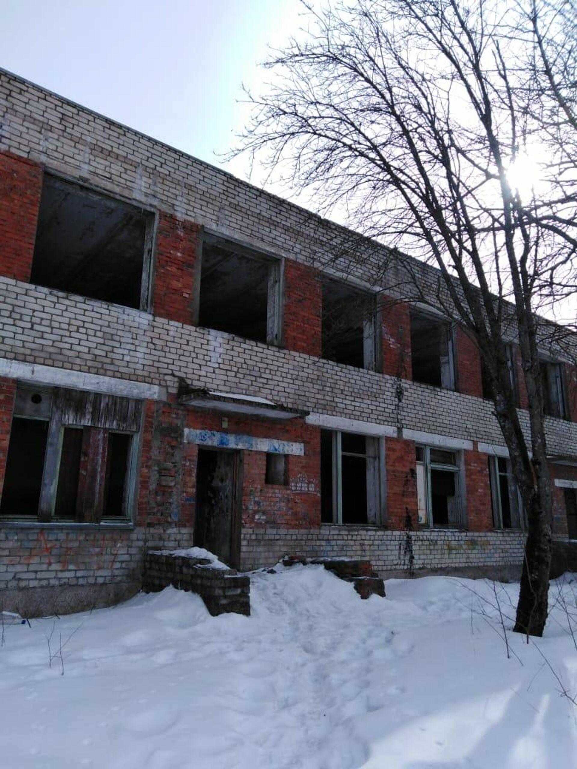 Двухэтажный детсад не могут продать даже на стройматериалы - РИА Новости, 1920, 11.03.2021