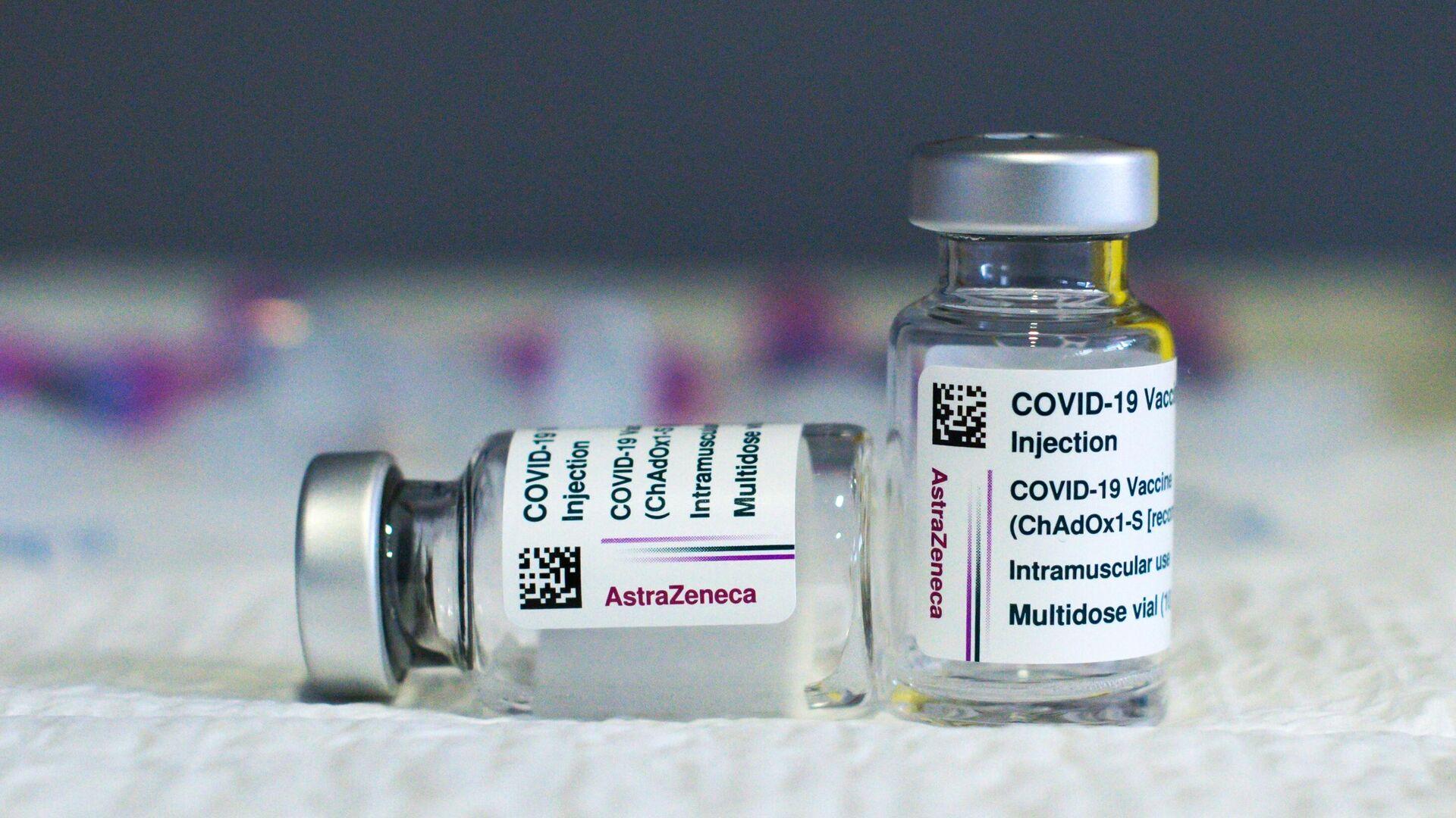 Вакцина Oxford/AstraZeneca от COVID-19 - РИА Новости, 1920, 15.03.2021