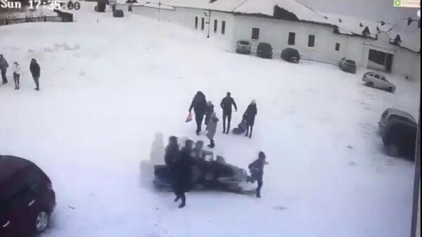 Кадр из видео с камеры наружного наблюдения в архитектурном заповеднике Остров - град Свияжск