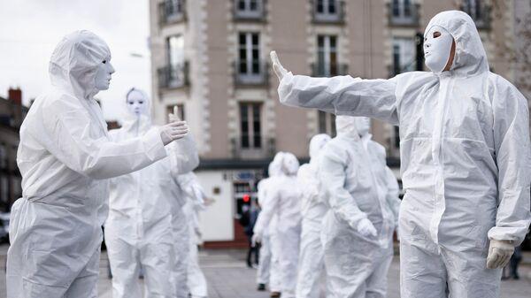 Акция против коронавирусных ограничений в Нанте, Франция