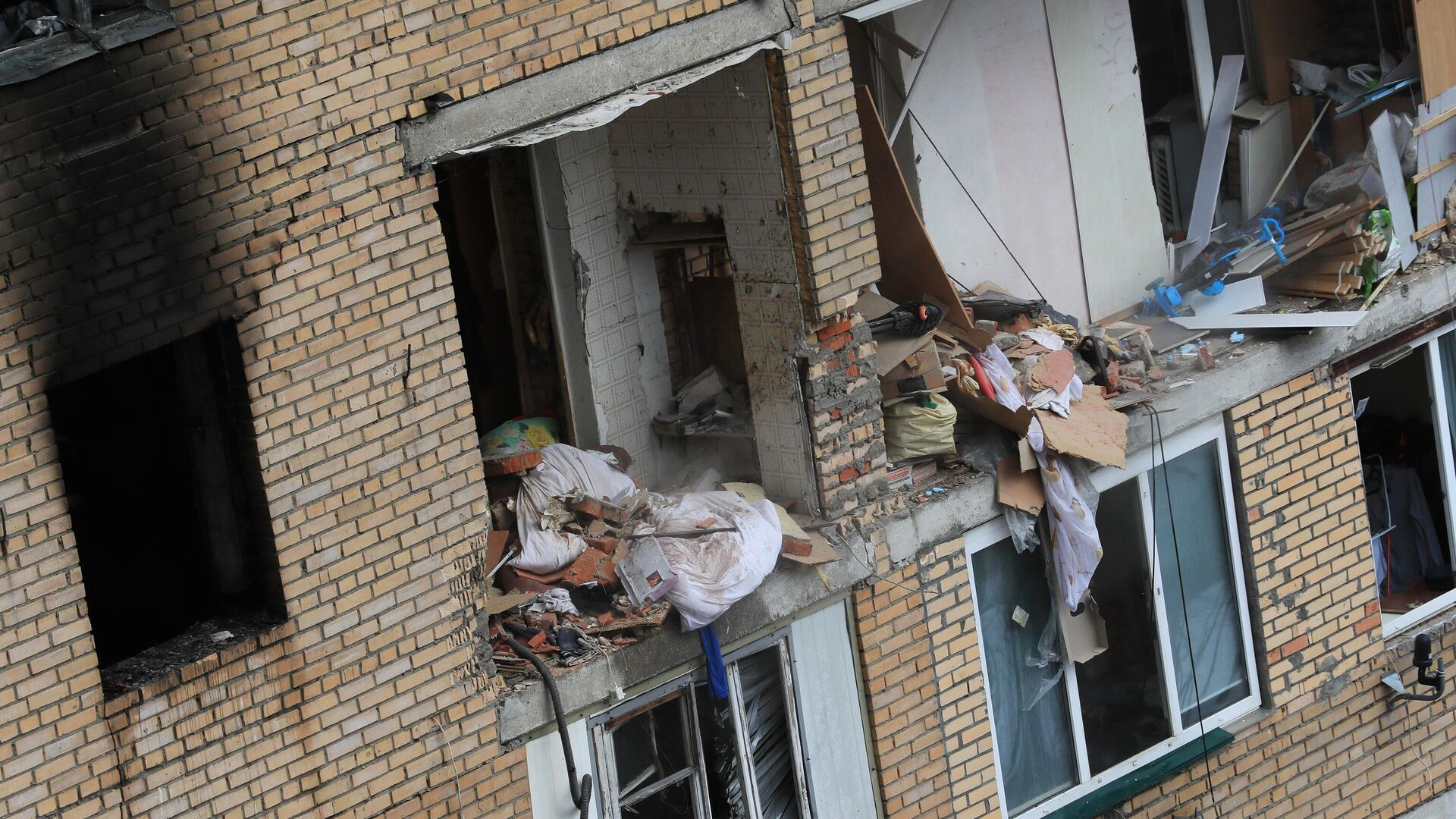 Последствия взрыва в жилом доме на улице Зеленой в Химках - РИА Новости, 1920, 19.03.2021