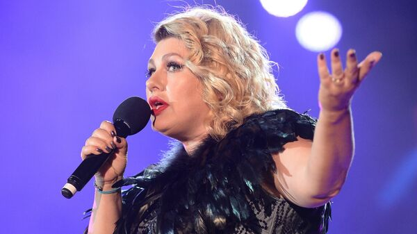Певица Ева Польна