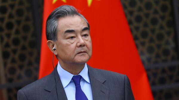 Министр иностранных дел КНР Ван И во время пресс-конференции после окончания встречи с министром иностранных дел РФ Сергеем Лавровым в Гуйлине