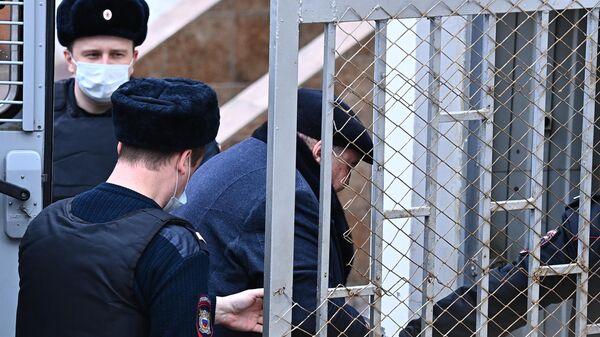 Глава группы фармацевтических компаний Биотэк Борис Шпигель, обвиняемый в даче взятки губернатору Пензенской области Ивану Белозерцеву,