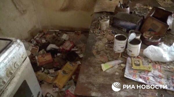 Обстановка частного дома в Талдоме, где нашли истощенную девочку без одежды. Кадр из видео