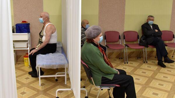 На Украине заявили о вакцинации двух крымчан в Херсонской области