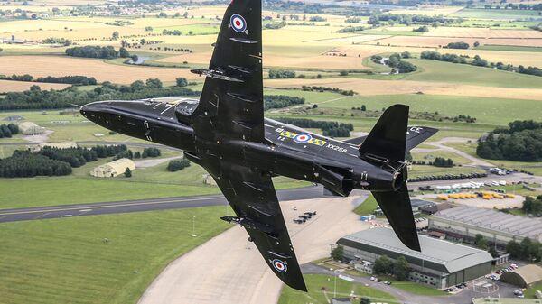 Британский военный самолет Hawk T1