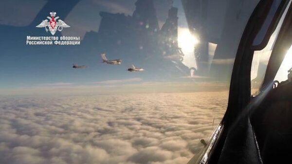 Кадры первого полета МиГ-31 над Северным полюсом с дозаправкой в воздухе